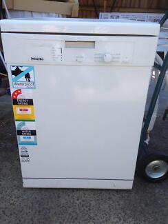 Miele White G1023 Dishwasher SS interior Elwood Port Phillip Preview