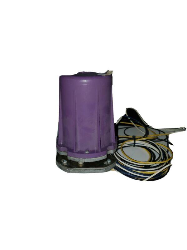 HONEYWELL SOLID STATE CIRCUIT PURPLE UV FLAME DETECTOR C7012E 1104