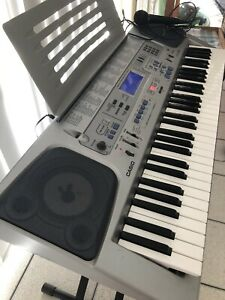 Casio recording Keyboard CTK-591 with mic and stand