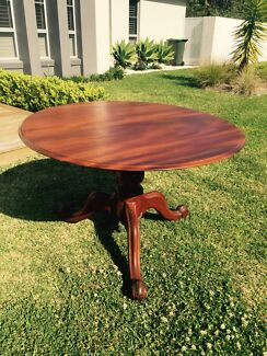 Solid round timber table Warriewood Pittwater Area Preview