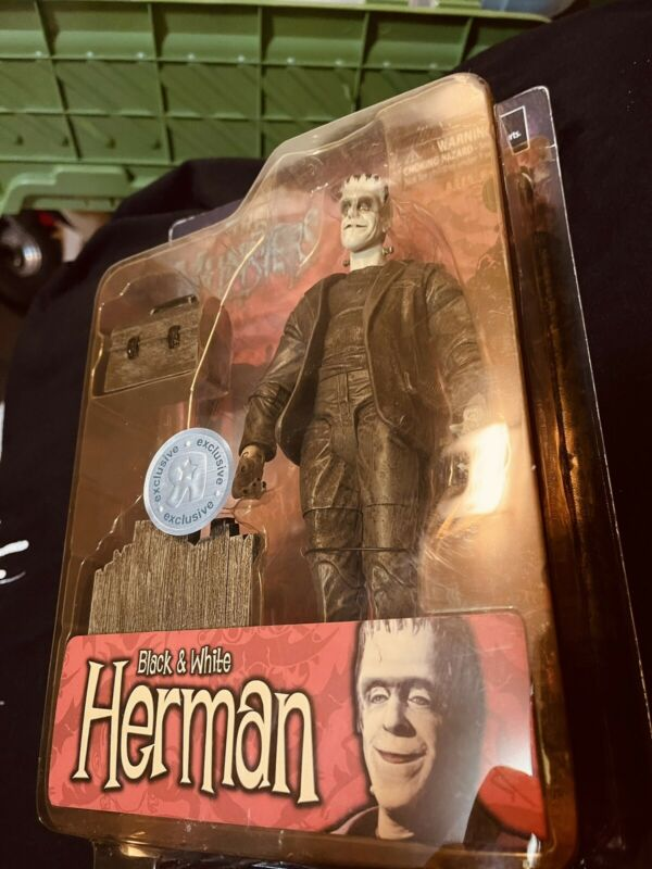 Rare The Munsters Herman Black & White Toys R Us Exclusive Figure Diamond Select