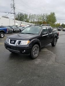 2018 Nissan Frontier PRO-4X Crew Cab 6MT 4WD