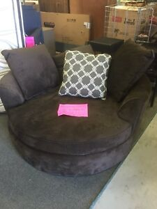CUDDLE CHAIRS