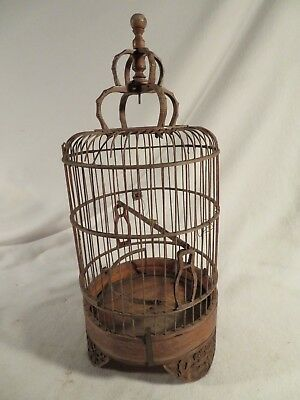 Antique Dome Wood & Wire Pigeon Bird Animal Transport Cage