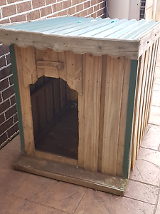 TIN ROOF DOG KENNEL LARGE Altona Meadows Hobsons Bay Area Preview