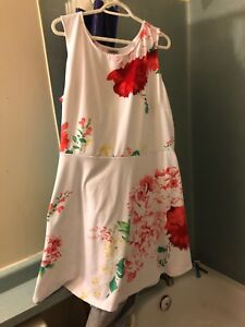 White and flowered dress