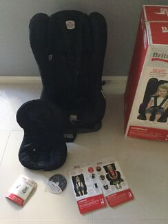 Britax Safe-n-Sound Compaq Convertible Car Seat