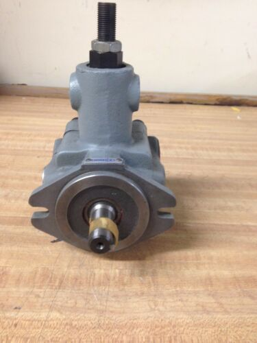 CONTINENTAL HYDRAULICS VARIABLE DISPLACEMENT VANE PUMP PVR6-4B20-RF-0-1