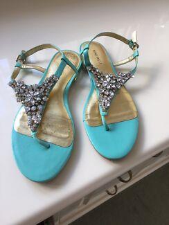 Aqua flat shoes