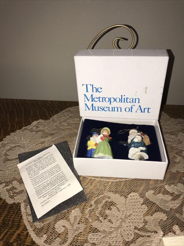 Vintage  Metropolitan Museum of Art Porcelain Ornament Set  Santa & Carolers '92