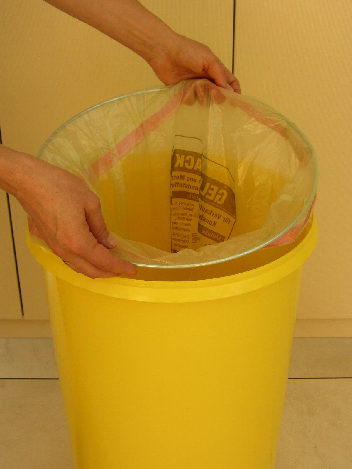 gelber sack tonne gelb m llsackst nder m llst nder. Black Bedroom Furniture Sets. Home Design Ideas