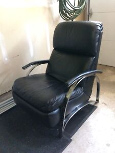 Vintage lounge chair leather Barcalounger black