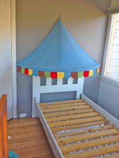 SINGLE BED WITH IKEA CANOPY Lindisfarne Clarence Area Preview
