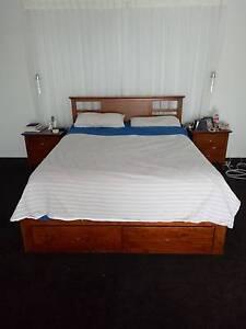 Queen Bed Wooden Mount Gravatt Brisbane South East Preview
