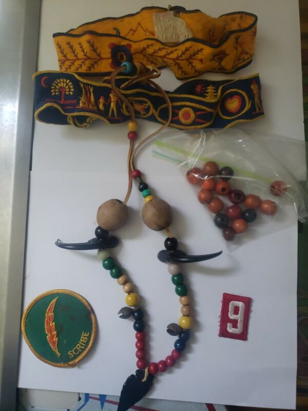 Vintage lot Retro 70s ymca indian guides Bear Claw Black Plastic Necklace