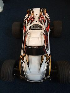 Tracxxas remote control car and charger