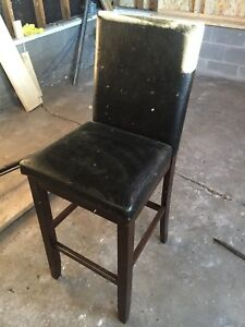 4 faux leather bar stools