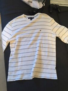 Authentic brand new Tommy hill figure crewneck