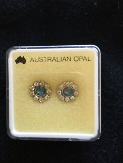 Australian opal vintage earrings.