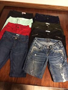 LARGE LOT OF WOMEN's JEANS