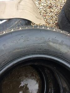 Michelin tires 265/75r17 Stratford Kitchener Area image 3
