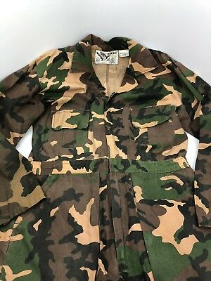 ad8941e06a7c8 Duck Bay Men Camouflage Coveralls Hunting zip pant Suit Medium Green  Woodland M