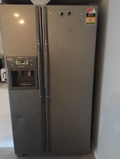Side by side fridge and freezer with ice and water dispenser  Middleton Grange Liverpool Area Preview
