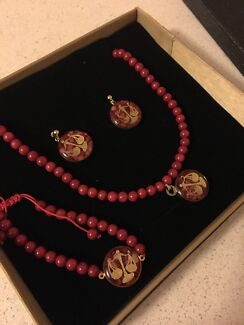 24ct gold birth sign and stone set