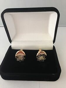 ROYAL-ANGLIAN-REGIMENT-CREST-CUFFLINKS-BRAND-NEW-IN-VELVET-BOX