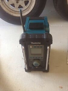 """Makita Radio """"GREAT CONDITION"""" Kingsley Joondalup Area Preview"""