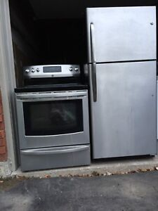 """30""""w Like NEW Fridge/Stove can DELIVER"""