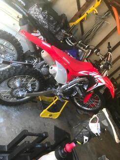 Motobike Tingira Heights Lake Macquarie Area Preview