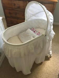 Bassinet and sheets