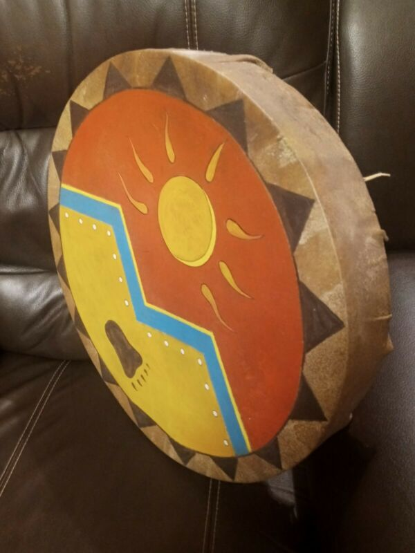 **AWESOME VINTAGE NATIVE AMERICAN RAWHIDE LARGE HAND  DRUM GREAT SOUND SHAMAN **