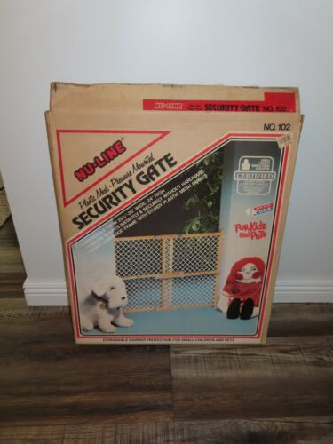 Vintage NOS Baby Pet Safety Gate NEW in Box Expandable