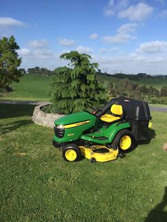 John Deere Ride on Tractor Mower Chirnside Park Yarra Ranges Preview