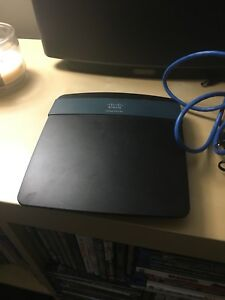 Cisco Linksys EA2700 Wireless N 2.4 and 5GHZ router
