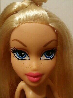 "Bratz Doll Cloe 2016 ""Hello My Name Is"" Articulated- Freckles- Nude"