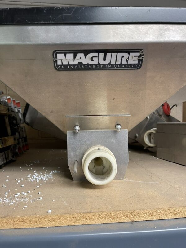 LIQUIDATION Maguire Hopper( side feeder hopper)   #2937