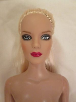 ULTRA BASIC TYLER PLATINUM NUDE Tonner Direct DOLL 2010 BW Body 300 Made Blonde