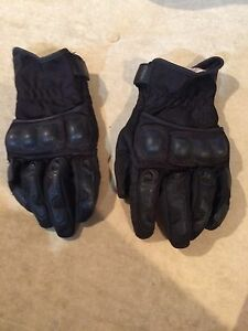 Black motorcycle gloves men's medium
