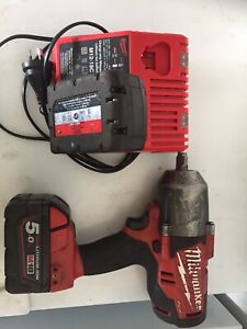 Milwaukee Fuel 18V Brushless Rattle Gun, charger and 5.0ah batterys