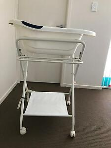 Baby bath and stand Manly West Brisbane South East Preview