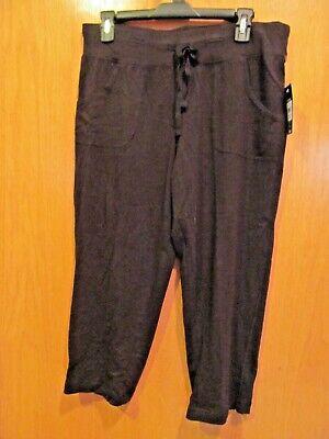 Women's Black Core Knit Capri Pants~Size MEDIUM (8-10)~New w/Tags~Athletic Works