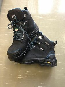 HellyHanson saftey boots 9.5 (fits like 9)