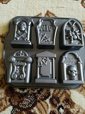 - Nordic Ware Tombstone Cakelet Pan(USED🌻🌻🌻 EXCELLENT COND.)