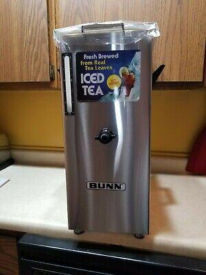 Bunn Td4 Iced Tea Dispenser (NEW Bunn 03250.0005 TD4T Tall 4 Gal Square Iced Tea Dispenser Brew-Through Lid )