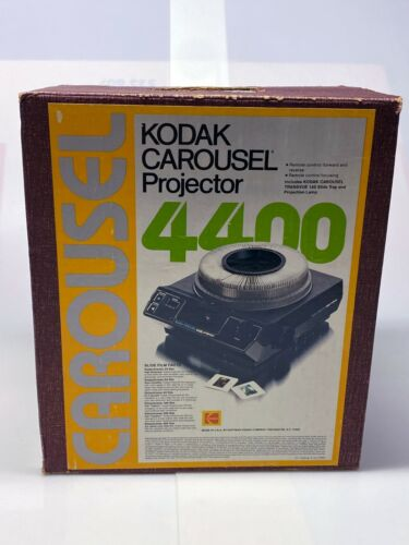 Kodak 4400 Carousel Projector, Original Box, Lens, Wireless Remote - Light Use