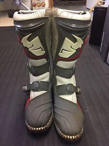 Mint kids MX boots