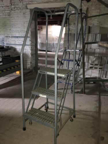3 Step Rolling Ladders Grey